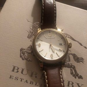 Woman/Unisex Burberry Gold and Brown Leather Watch
